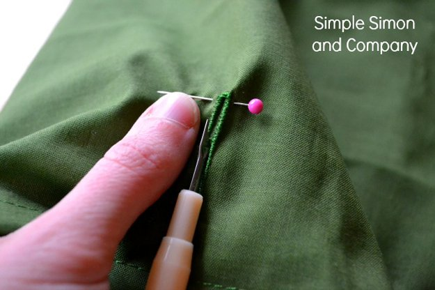 here's how to avoid the button hole ripping to far | 25 More Sewing Hacks to Make Life Easier |Check them out at http://diyready.com/sewing-projects-life-hacks