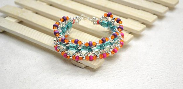 Boho Cuff Bracelet with Turquoise and Wood Beads | DIY Beaded Bracelets You Bead Crafts Lovers Should Be Making