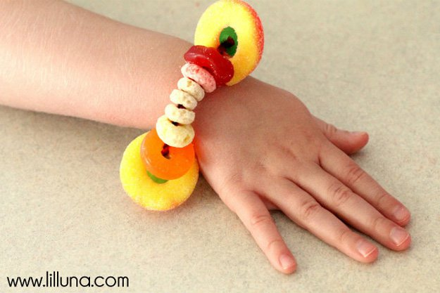 Candy Bracelets | 22 Cheap DIY Jewelry Projects for Girls