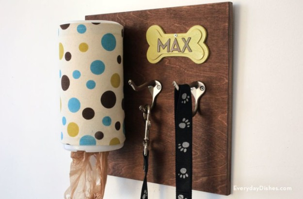 DIY Dog Leash Holder | 25 DIY Projects Your Pet Will Love