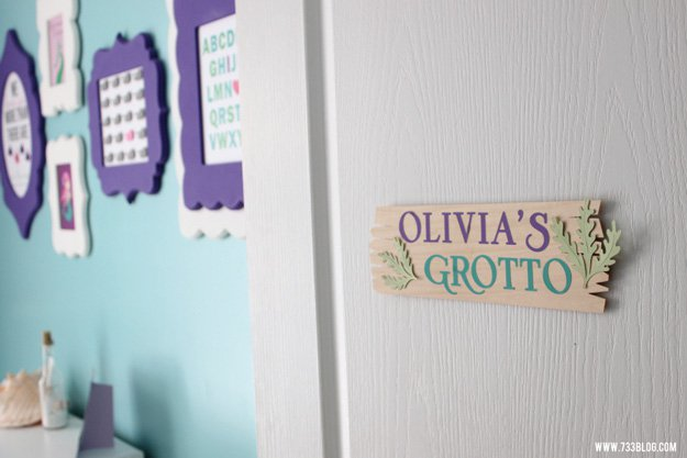 Balsa Wood Bedroom Door Sign | 15 DIY Teen Girl Room Ideas