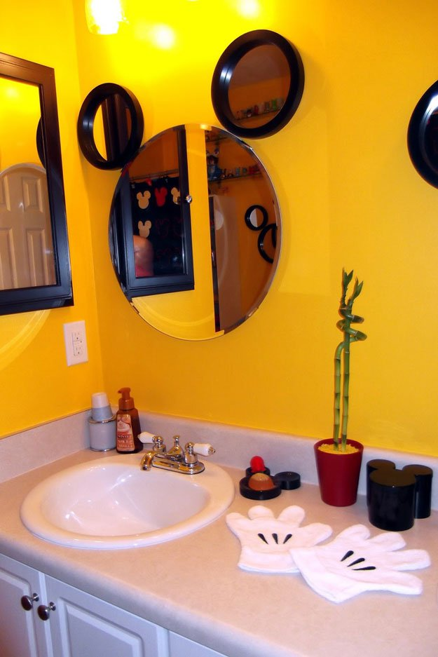 Easy Mickey Mirror | 15 DIY Teen Girl Room Ideas