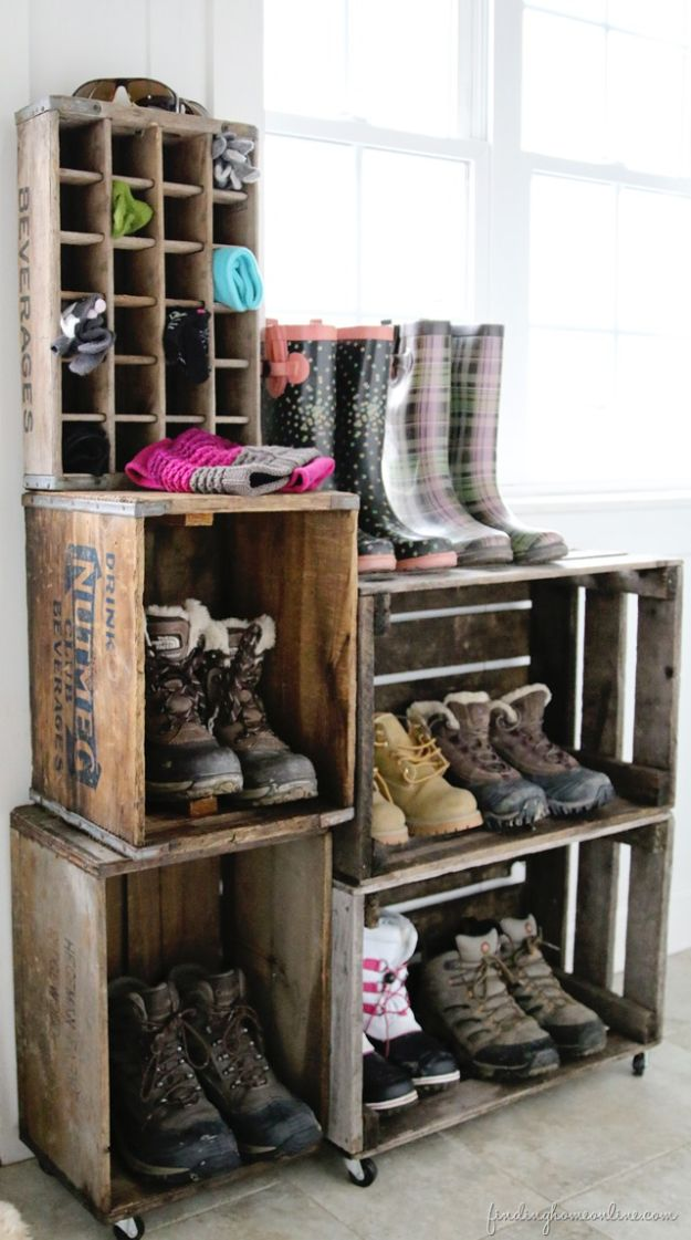 DIY Vintage Crate Boot Rack | 13 DIY Country Home Projects