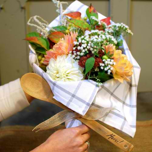 Kitchen Hand Tied Bouquet | 18 Ingenious DIY Projects to Make in Under an Hour