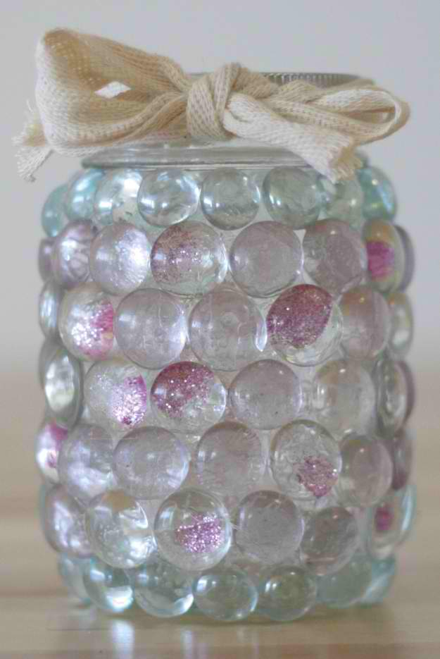 18 ingenious diy projects to make in under an hour new for Mason jar candle crafts