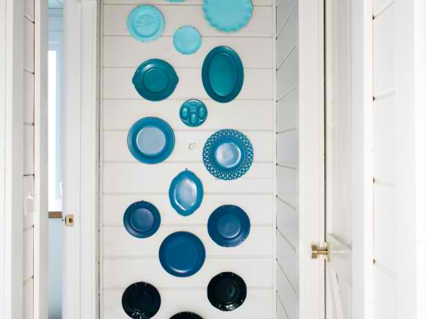 Wall Display with Colorful Plates | 17 Amazingly Cheap Home Decor | DIY Crafts