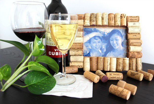 Wine Cork Picture Frame   15 Free Recycled Craft Ideas: Beautify Your Space Without Spending a Dime