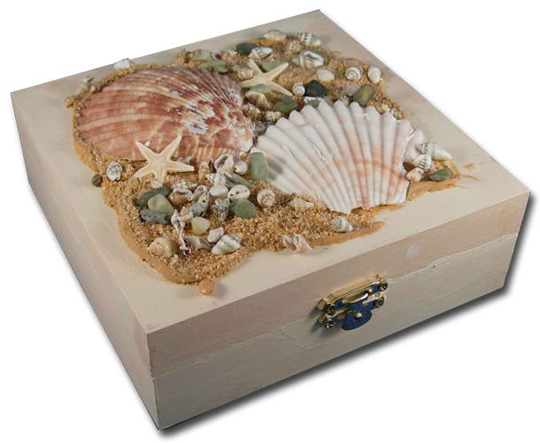 Beach Treasure Box | 15 Easy Seashell Crafts To Bring The Beach Indoors