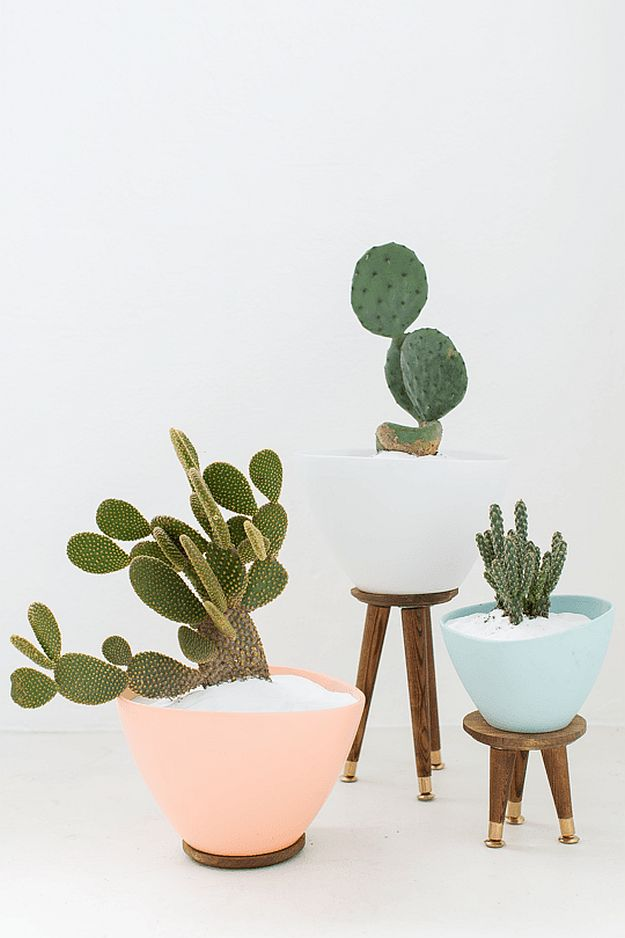 DIY Mid-Century Planters | DIY Home Decorating Ideas For Mid Century Modern Lovers