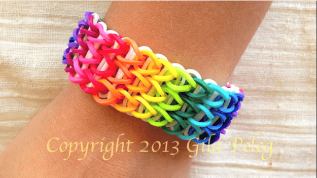 Rainbow loom band | How to Make a Colorful Loom Bracelet